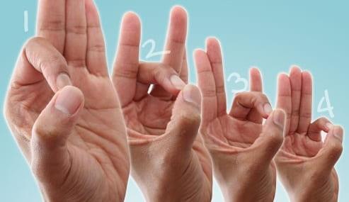تمرین حلقه کردن انگشتان در فیزیوتراپی برای درمان دست