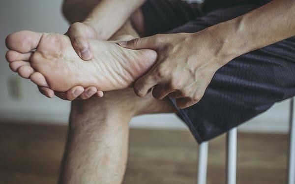علت ایجاد میخچه پا چیست؟