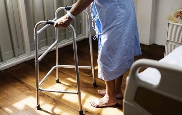 وسایل کمکی برای درمان درد پشت زانو