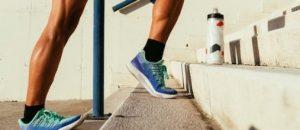کشش عضله ساق پا و تحرک مچ پا برای کمک به درد زانو