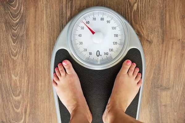 کنترل وزن برای درمان درد پشت زانو